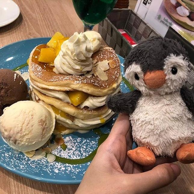 @pancakecafe_belleville ❤️🥞#eggcellentpancakes #peanutsjourney #peanutfindingbutter #burpple