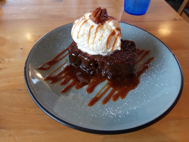 Sticky Date Pudding w Vanilla Bean Ice Crean 10+