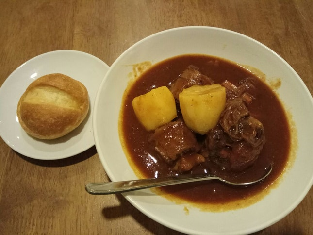 Oxtail Stew W Butter Roll 26.5nett