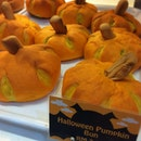 Halloween Pumpkin Bun