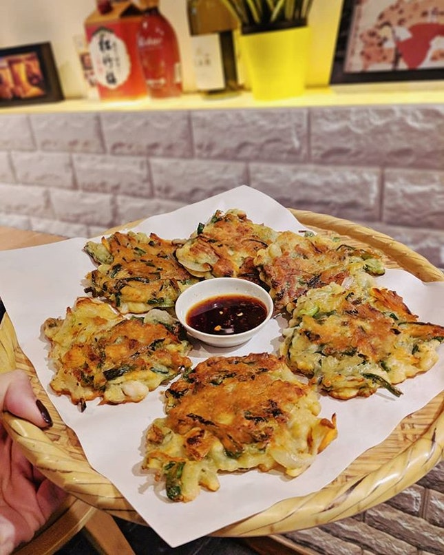 Seafood Pancake for tonight's dinner ;) #koreanfood #fluffyunicorn🦄 #2018❤️ #burpple