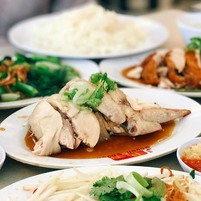 It was a unanimous agreement that the Hainanese chicken is tastier and more tender than the roast chicken.