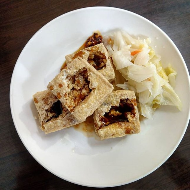 Stinky tofu, a delicacy that everyone should try when visit Taiwan.