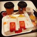 Pre departure macs breakfast!