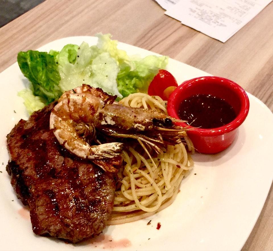 Steak And Prawn Pasta