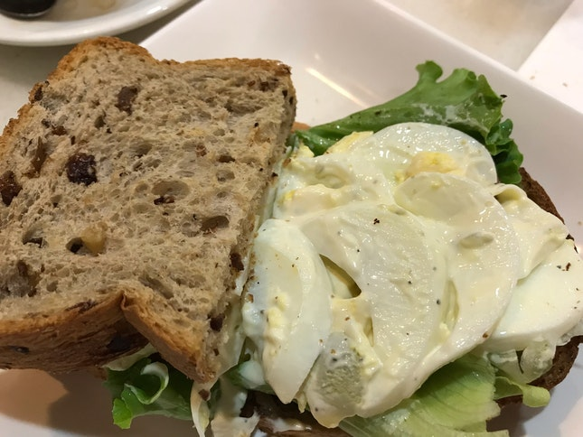 Chunky Egg Sandwich
