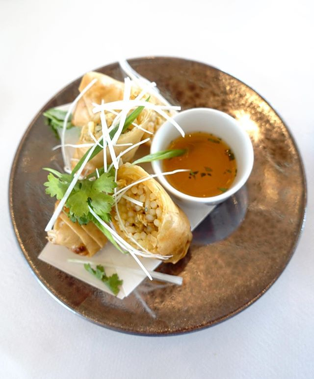 Laksa rolls, just the perfect starter for our lunch!