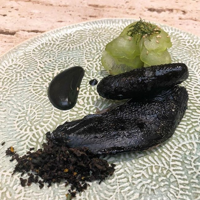 This course defies everything I know about black chicken and bittergourd.
