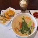 Fried Snakehead Fish Fillet Noodles Soup  $12.90