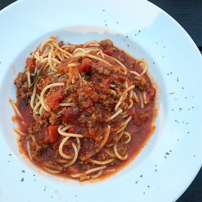 Bolognese ($15.90++) Spaghetti with ground beef in tomato based sauce.
