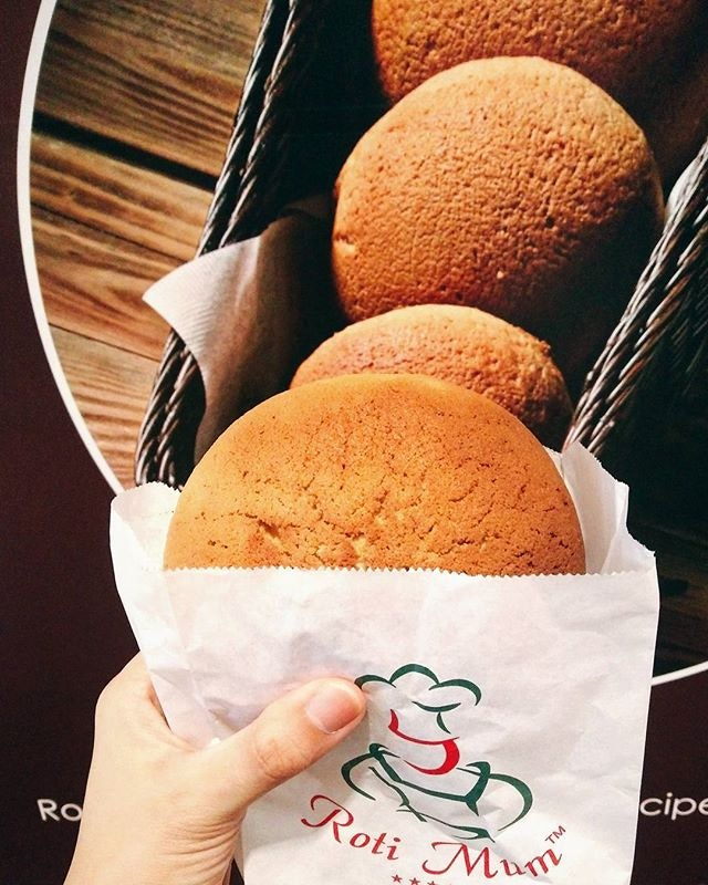 The best of both worlds r having a combination of ☕ + 🍞 which in my case is COFFEE BUN 😍  So devastated when they closed the outlet at AMK 😢 Now I have to travel that far just to buy it 😩 Bad news for my soul but good news for my ever expanding waistline 😆  Still tastes as good as ever!!
