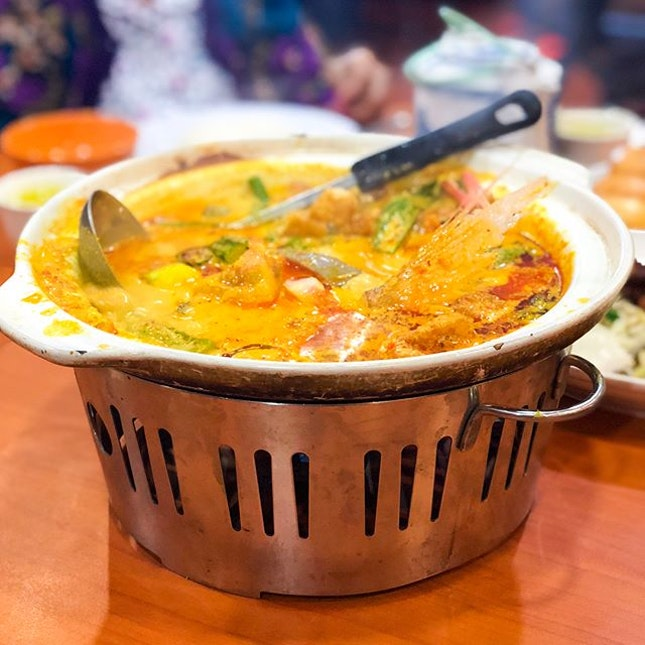 """@ Sum Kee Food Never expected to find yummy tze char in such an ulu place w/o the help of google😂 Google said it's a """"famous tze char"""" so obviously I just had to drag my family over for dinner hehe🤓 Can I just emphasize how normal pork ribs are at usual tze char places?"""