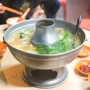 @ Tian Wai Tian Fish Head Steamboat 天外天 潮洲鱼头炉 Super cheap fish head steamboat omg!!