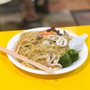 @ Tiong Bahru Yi Sheng Fried Hokkien Mee This deserves a solo shot because of the 2hour wait HAHA.