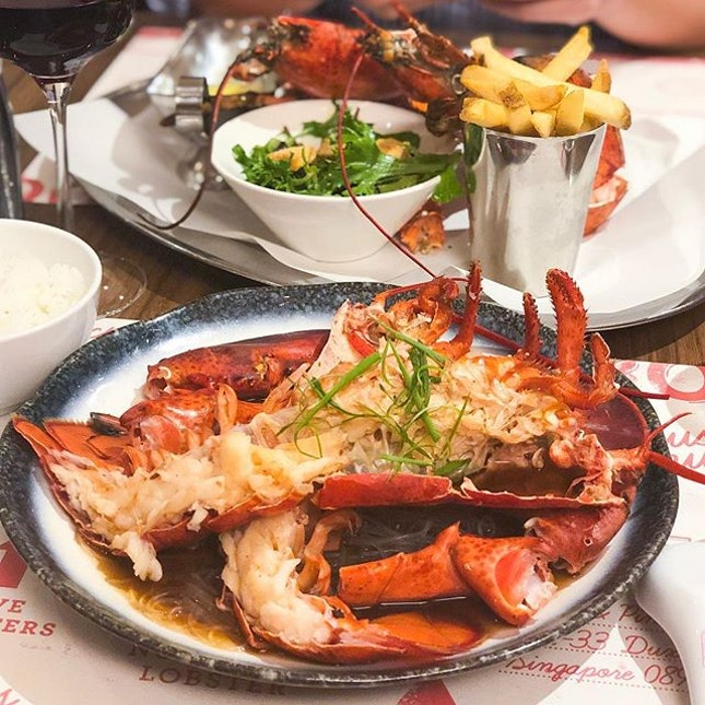 @ Pince & Pints FRESH lobsters for the tummy!!