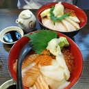 Salmon sashimi and hotate donburi
