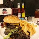 FatPapas Burgers and Shakes (Bugis)