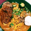 Rahim Muslim Food is famous for its mee rebus and satay.