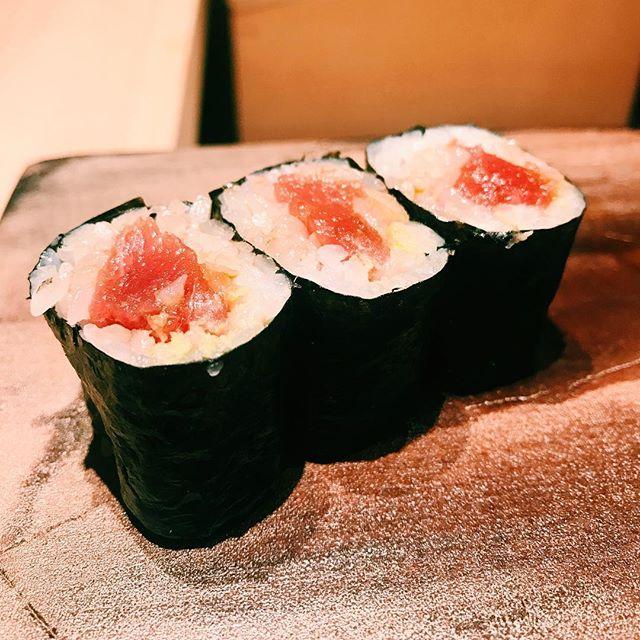 Lunch ended with a very yummy tekka maki (tuna roll).