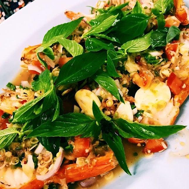Pla goong pao (spicy shrimp salad).