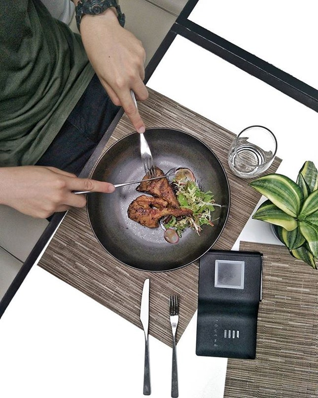 _ Touch  _ Was having lunch @ChefJustineQuek_'s @Grignoter_JQ & were intrigued to know we can pay for our meals via a fully biometric system!