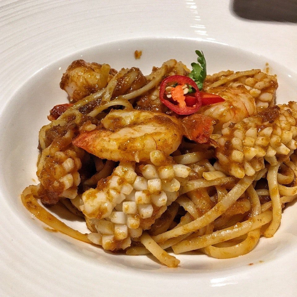 Spicy Balacan Seafood Linguine Set Lunch (2 Course For $8.80)