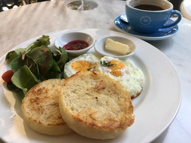 Breakfast at Crown