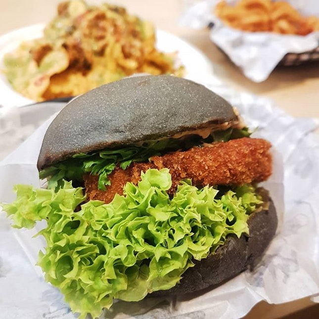 As more of a fish person, I'm so glad MBL offers a fish burger now!⁣