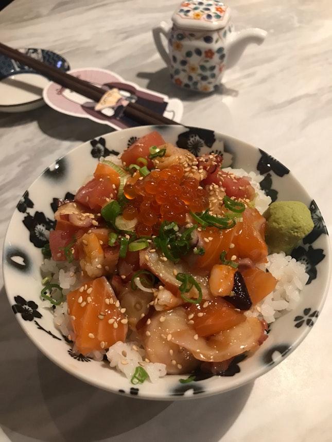 Omote chirashi-don ($12.8)