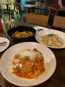 Nice pasta and drinking place