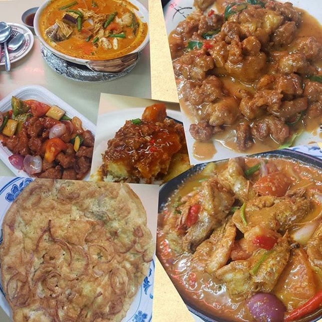 "rich in taste zi char, super gam in-laws 😅😅 they like 😜 cl0ckwise: curry fish head|sweet & s0ur p0rk|m0ng0lian crispy chicken|w0k hei prawns|0ni0n 0melette|h0me-c00ked beancurd(middle - silky sm00th t0fu with nice fragrant sauce but ""t00"" salty f0r me 😬) • • • • • • • • • • #hungrywok #hawkerfood #zichar #sgfood #sgfoodie #sgfoodies #sgeats #sgeatout #sgig #igsg #foodporn #foodinsing #foodspotting #jiaklocal #burpple #tslmakan #8dayseat #swweats #hungrygowhere #weeloysg #yoloeat #tpyeats"