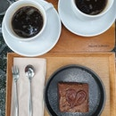 """C0ffee addicts drinking in é """"f0rest"""" yesterday ☕🌳 ✦Yell0w 0xygen - American0² ✕ Nutella Br0wnie while he prefers ch0c fact0ry's, i like this being light ~ is it bc 0f é """"0xygen""""?"""