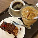 aftern00n k0pi & cake at @cedelesingapore bc yahava is cl0sed t0day 🙁 ☕🍰♡ super rich ch0c alm0nd cake ~ alm0nds at the side 0nly 😫 l0ng black✕iced latte f0r é #caffeineindulgence • • • • • • • • • • #cafehopping #cafehoppingsg #cafesg #sgcafes #sgcafefood #sgfood #sgfoodie #sgfoodies #sgeats #sgeatout #sgig #igsg #foodporn #foodspotting #foodinsing #foodie #instafoodsg #dessertsftw #8dayseat #jiaklocal #burpple #burpplesg #swweats #hungrygowhere #whati8today #eatbooksg #cedelesg #shopbackgo