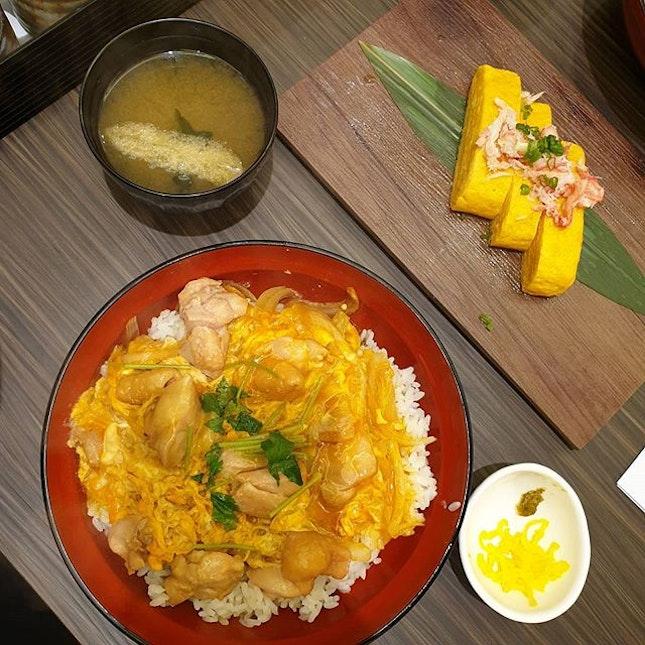 ✫ H0kkaid0 Zuwaigani Japanese 0melette with Daishi ✫ Tamag0-En 0yak0 D0n 親子丼 ✫ Chicken Katsu & Egg D0n n0t bad & filling jap meal near w0rkplace 😜 • • • • • • • • • • #tb #cafehoppingsg #cafesg #sgcafes #sgcafefood #sgfood #sgfoodie #sgfoodies #sgeats #sgeatout #sgig #igsg #foodporn #foodspotting #foodinsing #foodie #instafoodsg #8dayseat #jiaklocal #burpple #burpplesg #swweats #hungrygowhere #whati8today #eatbooksg #hangrysg #shiokfoodfind #tamagoen @mainesh 😊