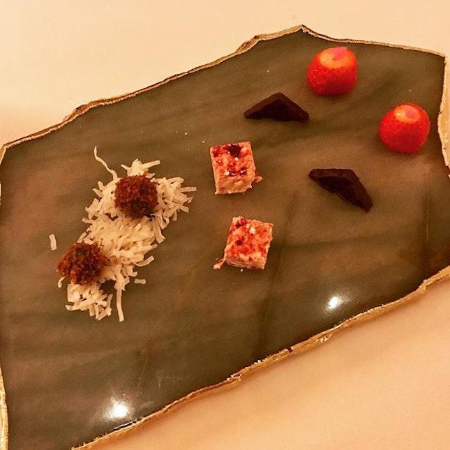 Dinner / 24 Oct 2018: Petit Fours.
