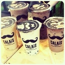 The CALAiS family :) #chocolate #coffee #black #milk #tea #with #bubbles #drinks #delicious #yummy #instaphoto #instadrink #friends #ig #igers #drinkporn #potd #swag