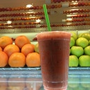 Banana + kiwi + strawberries = #dinner part one #eatclean #mindfuleating #goodstuff post run refuel