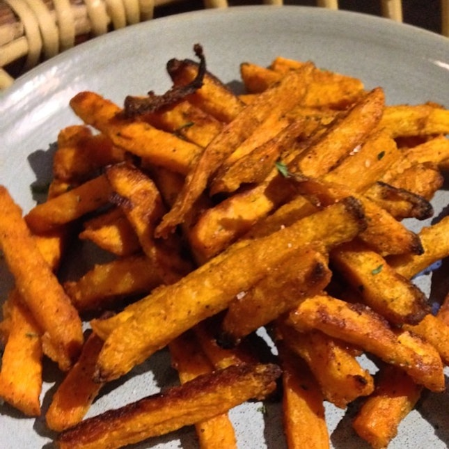 Very nice sweet potato fries, nicely crisp with some sweet and spice #burpple