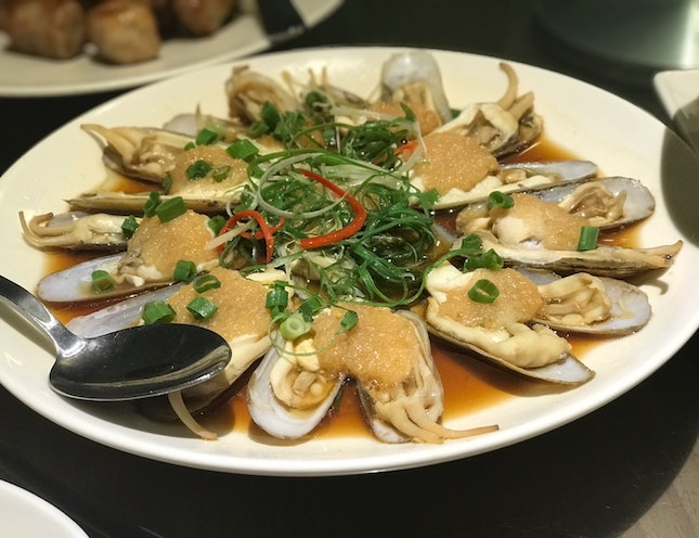 Steamed DUOTOU Clams With Minced Garlic ($$$/$$$$)