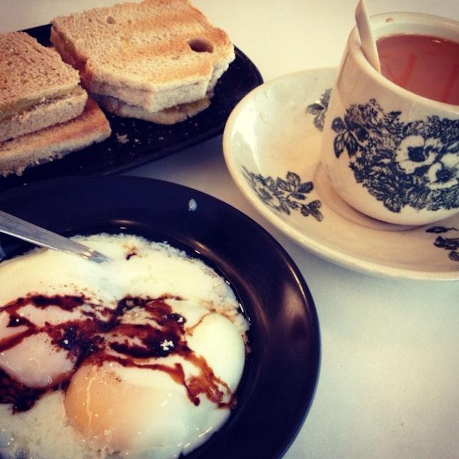 Kaya toast, soft boiled eggs and milk tea @ Wang Jiao