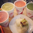 4 smoothies and 1 wrap vs 1 alexischeong.