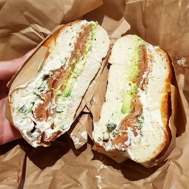 I love the taste of boiled, #chewy #bagels so i got a plain with smoked salmon, cream cheese w dill and swapped out tomatoes/onions with #avocado so I could truly enjoy the buns!
