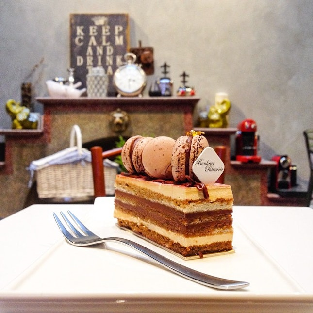 A cake from Bonheur Patisserie.