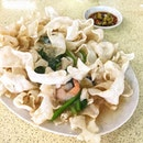 [136 Hong Kong Street Fish Head Steamboat] - Crispy Fried Hor Fun from this zichar stall.