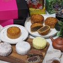 [Old Seng Choong] - For this coming Mid-Autumn season, heritage brand @oldsengchoong presents a decadent selection of traditional and inventive snowskin mooncakes.