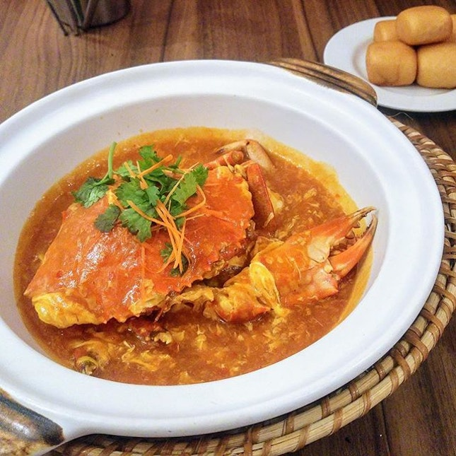 [Pince & Pints] - the evergreen Whole Chilli Crab ($58 for 500-600g approx) is available on the new menu.