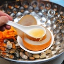 [Si Chuan Dou Hua] - The Double-boiled Bird's Nest in Pear Vessel made an dramatic entry with the dry ice effect.