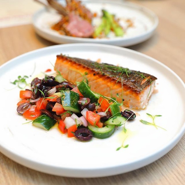 [Sky22] - The Pan-seared Norwegian Salmon is cooked to a beautiful pink in the middle.