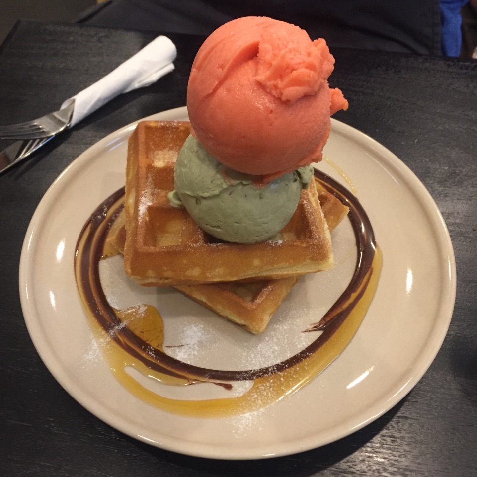 Great Ice Cream And Waffles