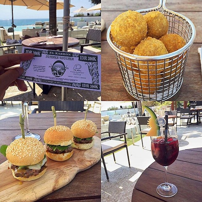 #tapas and #sangria for lunch.